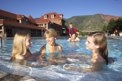 A Reunion at Glenwood Hot Springs: The Place to Bring the Family Together